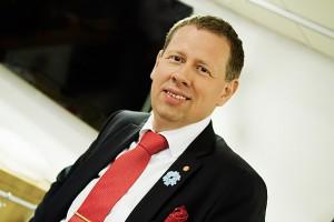 """Ulf vid firandet av utmärkelsen """"Årets Blommande Företag"""" av stiftelsen Majblomman"""